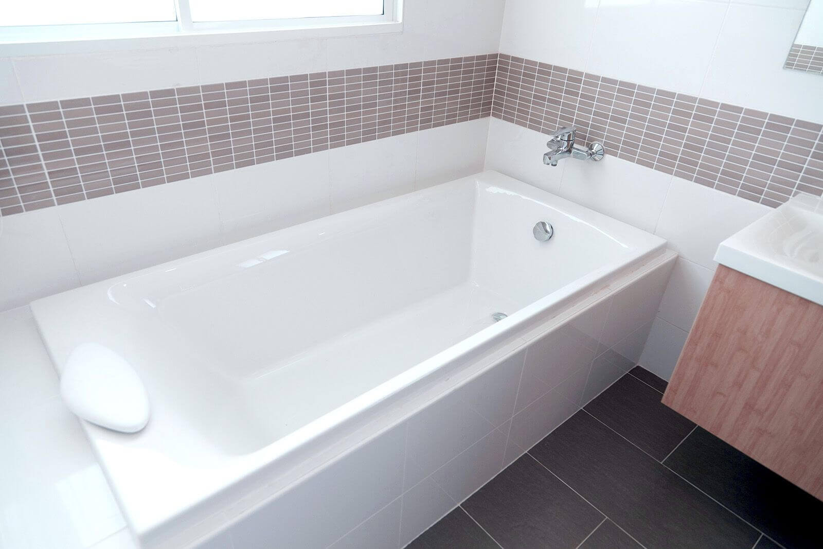 How To Unclog Bathtub Drains With Standing Water Jd Service Now